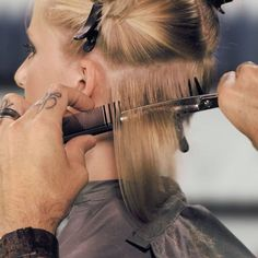 How To Collapse The Neckline For Your Short Bob Haircuts | Sam Villa Blog