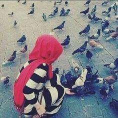 صباح الخير لعائلتي وقبله على جبُينهم ، صباح الخير لصديقتي المُفضله ، صباح الخير لشخص عن ألف شخص عن ألف معنى عن ألفِ حُب، وصباح الخير للعالم . ❤ Hijabi Girl, Girl Hijab, Muslim Girls, Muslim Women, Hijab Style Tutorial, Arab Swag, Cosy Outfit, Hijab Collection, Islamic Girl
