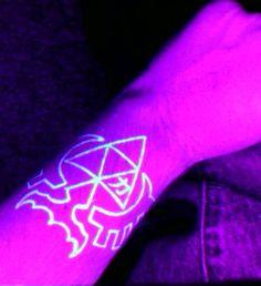 18 Stunning Black-Light-Responsive Tattoos | Mental Floss HELLA YEAH!