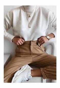 Minimalistic fashion minimalistic style minimalistic outfit inspo fashion for woman minimaliststyle 33 minimalist outfit ideas perfect for every summer adventure Fashion Mode, Look Fashion, Winter Fashion, Womens Fashion, Lifestyle Fashion, Christmas Fashion, Fashion Trends, Trendy Fashion, Fashion Ideas
