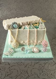 How to make a Jewellery Box cake by Verusca on deviantART cake