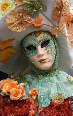 Venice Carnival Costumes, Venetian Carnival Masks, Venetian Masquerade Masks, Carnival Of Venice, Masquerade Ball, Masquerade Attire, Venice Carnivale, Costume Venitien, Venice Mask