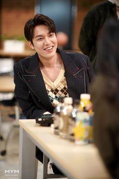 [이민호] 이곤이 황제인 나라 : 네이버 포스트 Korean Drama Movies, Korean Actors, Lee Min Ho Dramas, Lee Min Ho Photos, Korea Boy, Kim Go Eun, Park Shin Hye, Kdrama Actors, Drama Korea