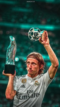 one of the world's best football clubs similar to a star-studded team compositio. - Daily Sports News & Live Stream Fotball Channel Real Madrid Club, Real Madrid Football Club, Real Madrid Players, Best Football Players, Sport Football, Soccer Players, Luka Modric Real Madrid, Kobe Bryant, Chivas Wallpaper