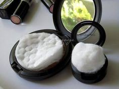 Keep a cotton ball or pad on top of your powdered makeup to keep it from breaking.