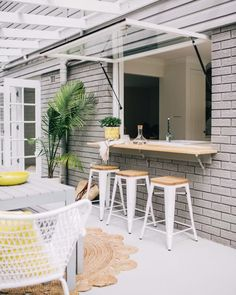 If you are looking for Indoor Outdoor Bar, You come to the right place. Here are the Indoor Outdoor Bar. This post about Indoor Outdoor Bar was posted under the Outdo. Kitchen Window Bar, Patio Kitchen, Kitchen Decor, Kitchen Ideas, Kitchen Windows, Indoor Outdoor Kitchen, Outdoor Dining, Outdoor Kitchens, Outdoor Spaces