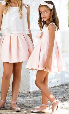 Vestido 22427, color 0002 Rosa - Talla: 1, 2, 3, 4, 5, 6, 8, 10 Colección Amaya Cute Little Girl Dresses, Wedding Dresses For Girls, Dresses Kids Girl, Cute Girl Outfits, Little Girl Outfits, Girls Party Dress, Dresses For Teens, Cute Dresses, Kids Outfits