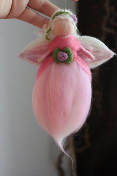 Kinderzimmerdekoration - Zauberhafte Elfe, kleine zarte Fee.. - ein Designerstück von Jalda-Filz bei DaWanda