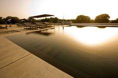 Piscina esterna di Antonello Colonna Vallefredda Resort & Spa, Labìco - Roma. Leggi la recensione: http://www.thebeautypost.it/2013/08/13/spa-di-antonello-colonna-vallefredda-resort/  #roma #termeroma #italy