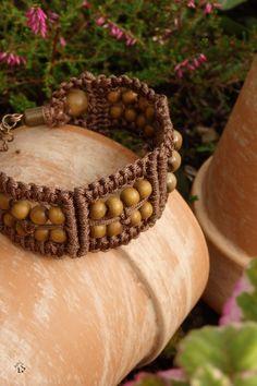 Drhaný náramek s olivovými korálky dřevěný náhrdelník přírodní něžný macramé drhaný
