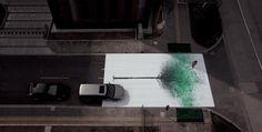 ¡¡¡¡Excelente!!! follaje de árbol hecho con huellas de peatones en el cruce de una calle...