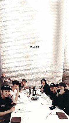 Baekhyun Chanyeol, Exo Ot12, Chanbaek, Got7, Exo For Life, Luhan And Kris, Exo Album, Exo Lockscreen, Exo Fan