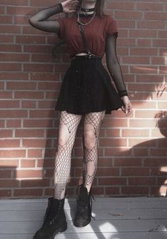 Photo Outstanding Grunge Outfits Ideas For Women 25 Hipster Outfits, Gothic Outfits, Edgy Outfits, Mode Outfits, Girl Outfits, Fashion Outfits, Short Girls Outfits, Skirt Fashion, Grunge School Outfits