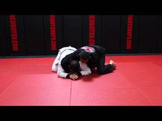 This week Master Ricardo Cavalcanti shows 2 lapel chokes against turtle guard. For more visit rcjiujitsu.com or email your questions��_