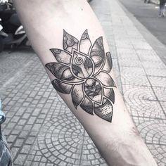 "SGI Tattoo-26TranHungDao Dis01 on Instagram: ""Buddha In The Lotus Shape Tattoo By Bon Bon #buddha #buddhaface #lotus #lotusshape #blackwork #linework #dotwork #saigonink #saigontattoo…"" Mandala Tattoo Design, Dotwork Tattoo Mandala, Buddha Tattoo Design, Geometric Mandala Tattoo, Tattoo Designs, Buddha Lotus Tattoo, Buddah Sleeve Tattoo, Ganesha Tattoo, Geometric Tattoos"
