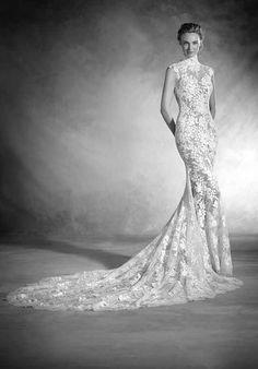 PRONOVIAS NIKOL Wedding Dress photo