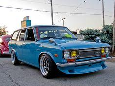 flicktitty: Datsun 510 Wagon at the True Street Show Blue beauty. Classic Japanese Cars, Japanese Sports Cars, Best Classic Cars, Nissan, Corolla Wagon, Datsun 1600, Jdm Cars, Station Wagon, Toyota Corolla