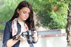 English Rose Scarf Camera Strap von Capturing Couture bei DESIGNSTRAPS.de unter: http://www.designstraps.de/kameragurte/tragegurt/1410/english-rose-scarf-strap?c=3