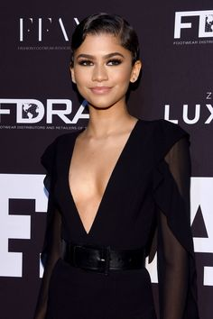 Zendaya Updates the Rules of the Old Hollywood Beauty Playbook