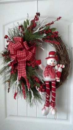 Grapevine christmas wreath by kyong Grapevine Christmas, Noel Christmas, Holiday Wreaths, Simple Christmas, Christmas Ornaments, Grapevine Wreath, Door Wreaths, Winter Wreaths, Christmas Swags