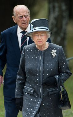 Queen Elizabeth II and Prince Philip, Duke of Edinburgh visit the concentration camp memorial at Bergen-Belsen on June 2015 in Lohheide, Germany. The Queen and The Duke of Edinburgh viewed the. Get premium, high resolution news photos at Getty Images God Save The Queen, Hm The Queen, Royal Queen, Her Majesty The Queen, Windsor, Prinz Philip, Queen And Prince Phillip, Die Queen, Noblesse