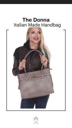 Maternity Outfits, Stylish Maternity, Italian Leather Handbags, Stylish Handbags, How To Make Handbags, Classic Italian, Italian Fashion, Leather Bag, Backpacks