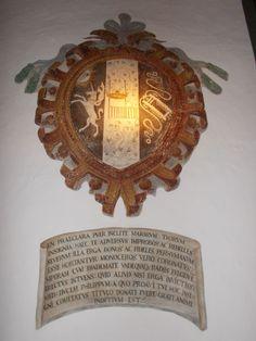 Stemma con unicorno, humilitas e morso (Borromeo) - Affresco, Rocca di Angera (VA).