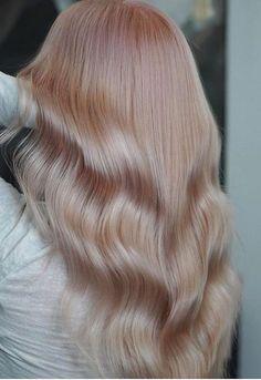 Subtle Pink Queen Hair Color Ideas 2019 Latest Hair Color, Cool Hair Color, Hair Colors, New Hair Do, Big Hair, Pink Blonde Hair, Unique Hair, Queen Hair, Awesome Hair