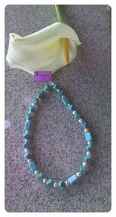 Collar completo con cierre en plata de ley, dos tipos de turquesa y perla.