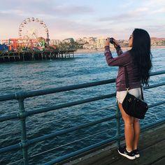Vocês estão gostando dos vlogs de viagem? Assim que voltar pra casa edito os de Los Angeles e publico. É tanto lugar bonito que eu quero mostrar lá no canal, ai ai... ✈️