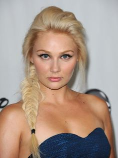 Clare Bowen - fishtail and makeup