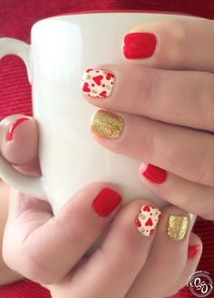 You can now celebrate Valentine's Day by adding red and silver glitters on your French tip. Add little hearts or create a big one and surround it with little diamonds for a more fabulous finish.