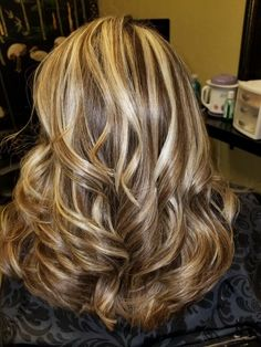 Long Ash Blonde Hair - 20 Best Long Hairstyles for Women of All Ages 2019 - The Trending Hairstyle Brown Hair With Blonde Highlights, Hair Color Highlights, Brunette Hair, Blonde Hair, Medium Hair Styles, Curly Hair Styles, Long Shag Haircut, Hair Color And Cut, Great Hair