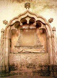 Túmulo de Diogo de Azambuja - Igreja Sta. Maria dos Anjos