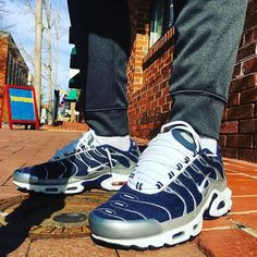 '15 Nike Air Max Plus TN - Mid Navy/Metallic Silver @footlocker US Exclusive worn by @avcrummie !! Very dope CW super clean! Might track a pair of these down ! Keep # tagging #everythingairmax by everythingairmax