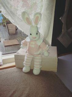 #haken #crochet #häkeln #handwerken #konijn #rabbit #sophia #handmade #funny #haakpakket #scheepjes #catona #hobby #atelier #lavivere #Zoetermeer www.facebook.com/..