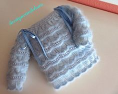 Laetiquetadelana : Conjuntos en lana Baby Dress, Dress Up, Baby Layette, Baby Booties, Baby Wearing, Fingerless Gloves, Baby Knitting, Arm Warmers, Knitting Patterns