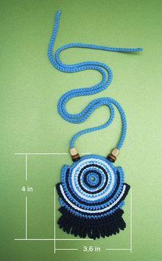 Crochet cotton thread geometric necklace with by LuluXuruuKnichet  Me gusta para hacer un detalle de cuello o espalda en una prenda.