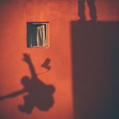 Alper Yesiltas is a talented Turkish lawyer and photographer currently based in Istanbul. For 12 years, Alper captured the same window, until its destruction. Amazing Photography, Street Photography, Nature Photography, Window Photography, Narrative Photography, Istanbul, Shadow Art, Shadow Play, Through The Window
