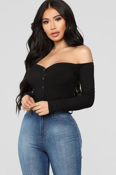 dff550ed3e2 10 Best Off the Shoulder Top Outfit images | Casual outfits, Spring ...