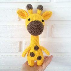 Free Crochet Patterns Yellow giraffe - Free Amigurumi animals patterns in our new app Crochet Giraffe Pattern, Crochet Penguin, Crochet Sheep, Crochet Amigurumi Free Patterns, Crochet Animals, Crochet Dolls, Amigurumi Giraffe, Giraffe Toy, Crochet Simple