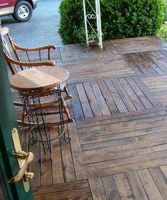 Pallet-Wood-Front-Porch-06