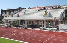 Na fotbalovém stadionu vyroste nová hlavní tribuna s prostory pro fotbalisty, VIP, krajní tribuny se sociálním zázemím pro diváky, provozní prostory, divácký sektor, nové pokladny, vnitřní a vnější oplocení, občerstvení a další vymoženosti. Basketball Court