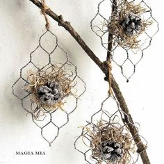 wire ornaments   Chicken Wire Ornaments   Winter ★ Christmas inspiration ★
