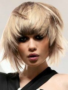 Medium Choppy Haircut Ideas - The fashion pack went crazy for the hottest midi hairstyles. These medium choppy haircut ideas will offer you the chance to join the new wave of beauty trailblazers who are not afraid of showcasing their creativity. Use choppy layers to break out of your boring shell and experiment with the latest formulas to keep your tresses in a voguish shape.