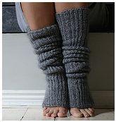 Easy leg warmers http://www.ravelry.com/patterns/library/super-easy-leg-warmers