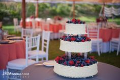 A b merry events wedding at Newagen Seaside Inn in Maine. Photos by Brea McDonald Photography.