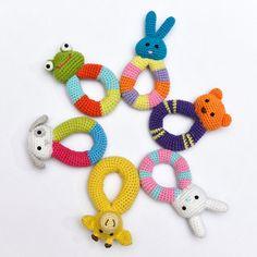Crochet bebé rana sonajero Natural algodón Handemade por MsToosh