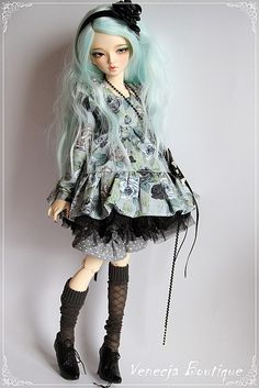 clouetvis:  Caitlin - Minifee Chloe by venecja1 on Flickr.