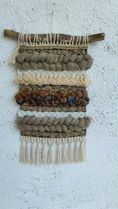 Tapestry Weaving, Loom Weaving, Weaving Projects, Diy Projects, Contemporary Home Decor, Woven Wall Hanging, Home Decor Styles, Fabric Crafts, Tassel